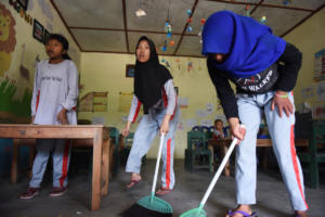 Everyday after school the children have to sweep, a choir which is usefull for them learn and to use at home as well.